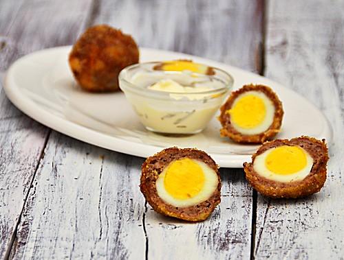 Scotch eggs con uova di quaglia