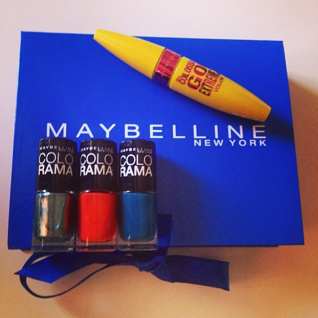 Time for a new #manicure #maybelline #colorama #nailpolish #mascara #cosmetic #cosmetics #makeup #instamakeup #beauty #blogger #blogging #bblogger #bbloggers #lashes #picoftheday #photooftheday #igers #igdaily #instagood #instadaily #iphoneography #iphone
