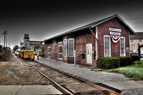 trainstation hartvilleohio wheelinglakeerie railspeeders hartvillestation ohiovalleyrailcars