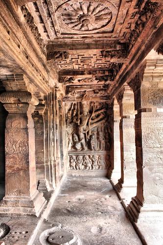 cave hindu badami jyoti
