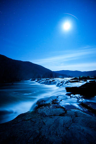 Moon over Sandstone Falls