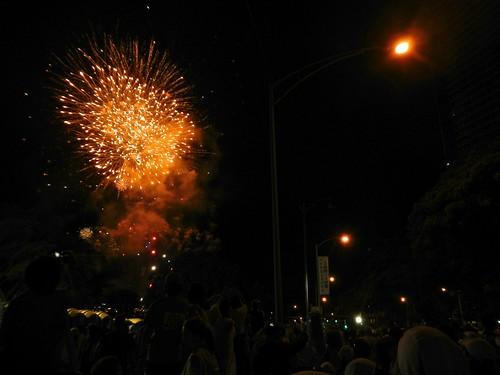 ホノルルマラソン スタートの花火(Honolulu Marathon 2011)
