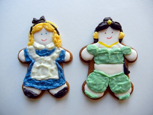 jasmine and alice in wonderland cookies