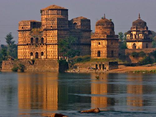 india rio templos reflejos orcha asiamenor