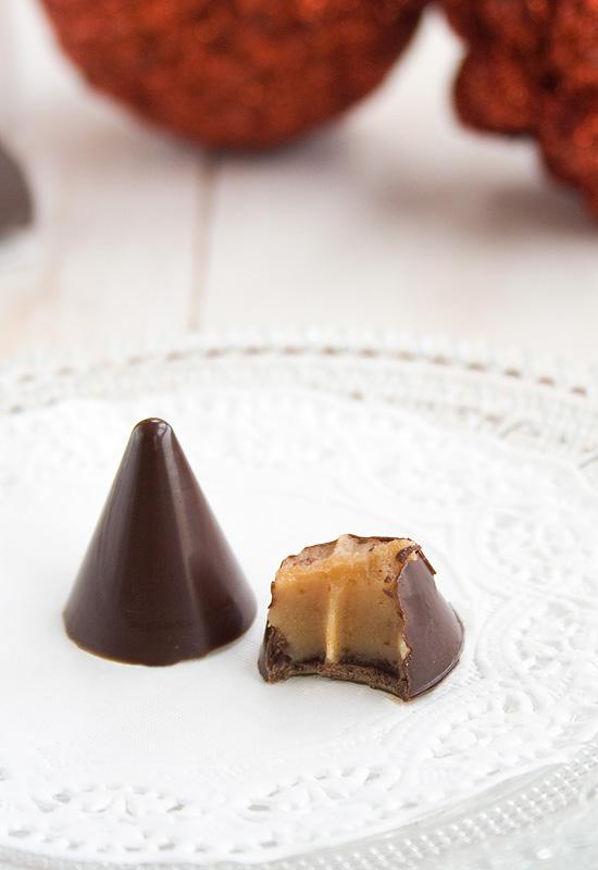 Regalos Navideños IV: Bombones rellenos de salsa de caramelo