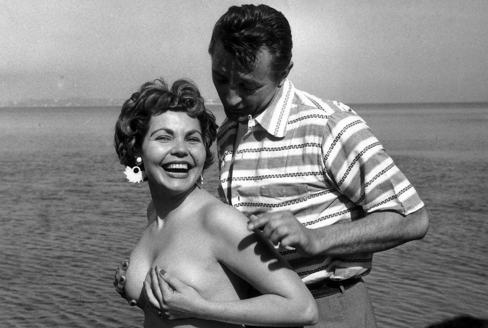 Like this Elizabeth golder era nude pics love large