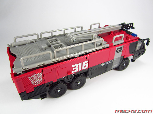 Leader Class Sentinel Prime: Truck Mode