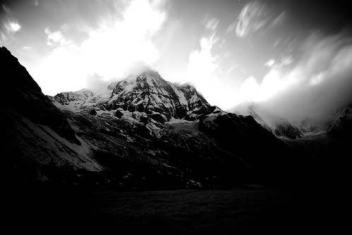 longexposure nepal mountains buddha south abc annapurna basecamp buddhistflag