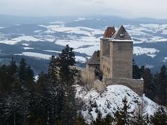 Kašperské Hory: Hrad Kašperk v romantickém zimním rouchu