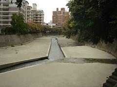 台中市完全水泥化的河川(特生中心林德恩提供)