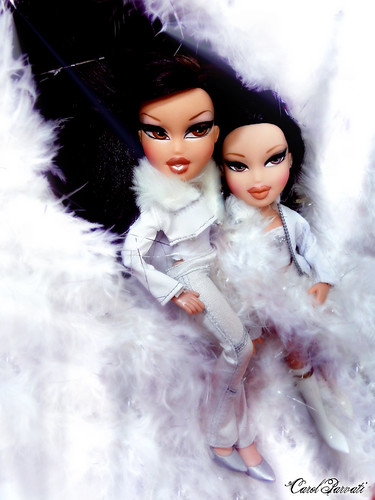 "Sun Wei's Bratz Next Top Model :""Christmast Special"" - Naomi and Kumi"