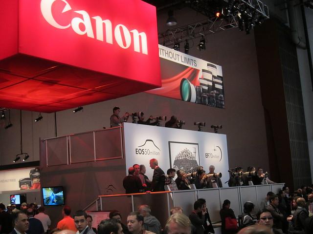 CES Jan 2012 Incipio 025