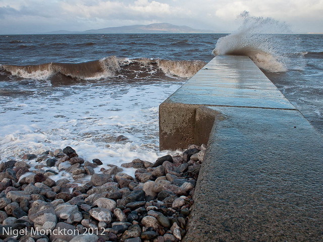 1000/709: 21 Jan 2012: Breakwater at Silloth