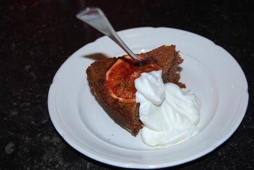 chocolade-amandeltaart met bloedsinaasappel en rum