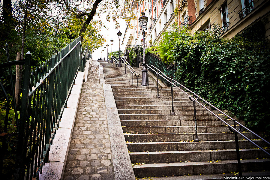 Staircase of dreams, Paris