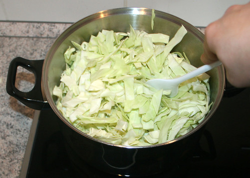 17 - Kohl mit anbraten / Sauté cabbage