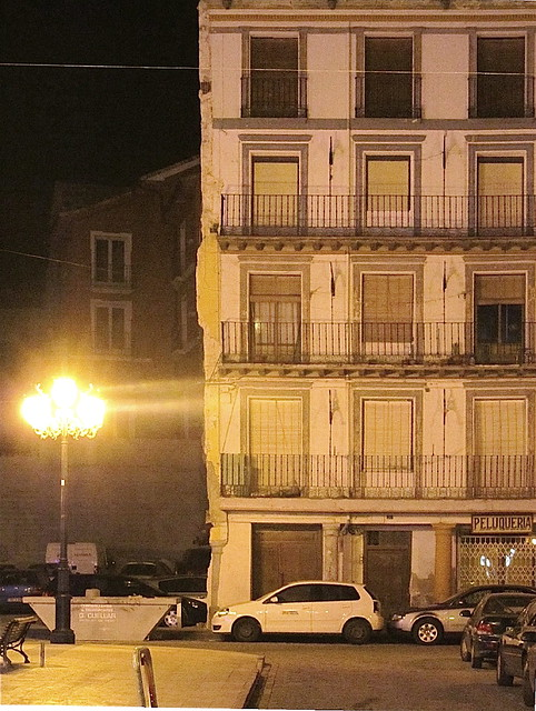 Casa blanca, coche blanco