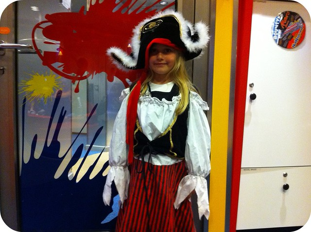 Holland America - Volendam kids club pirate day