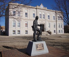 Ness County Courthouse and Civil War Monument (Ness City, Kansas)