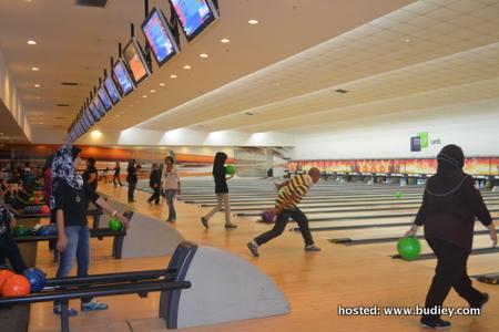 Bowling Aaronators