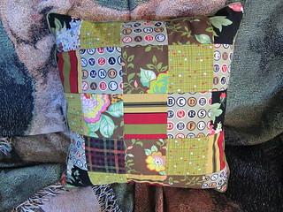 Summerhouse pillow (front)