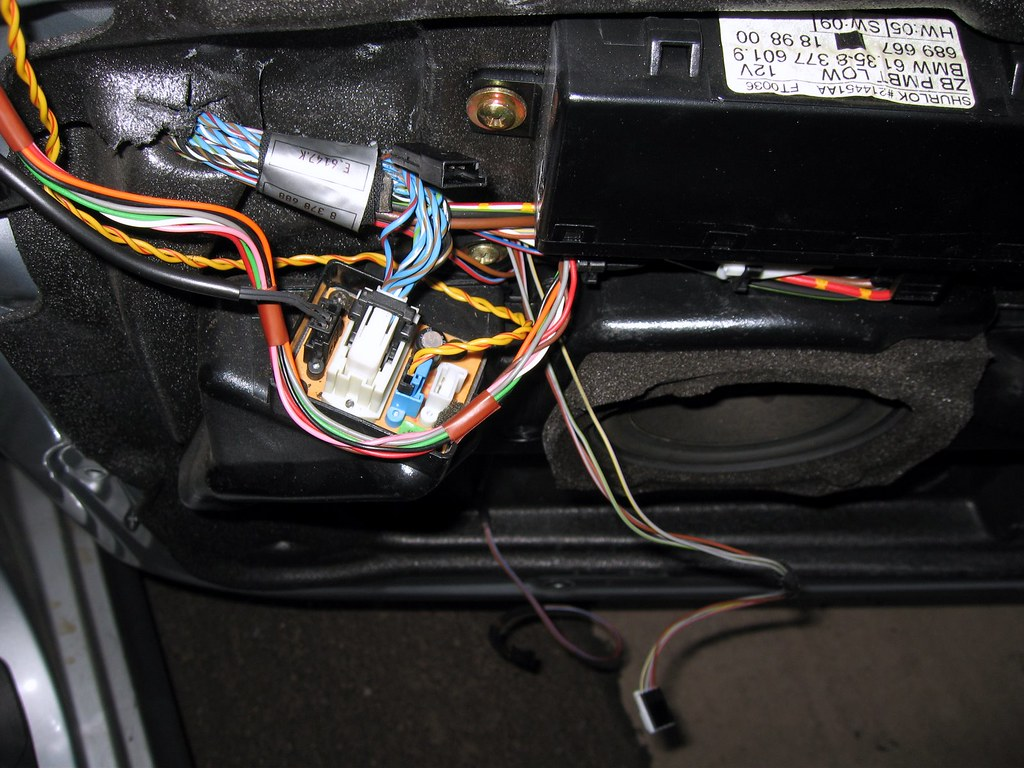 Door Speaker Wiring Schematics Diagrams 1999 Bmw 528i Ac Wires Plugged Into Front Box Bimmerfest Forums Rh Com Ford