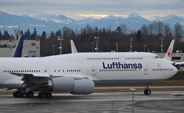 Lufthansa Boeing 747-8I D-ABYA RC022