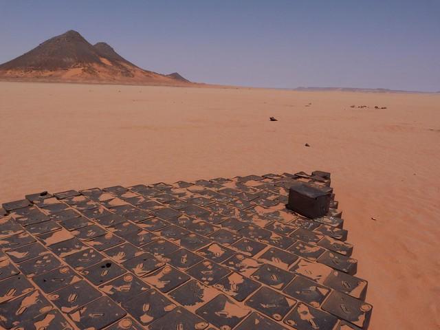 8 Bells (Desierto Líbico, Egipto)