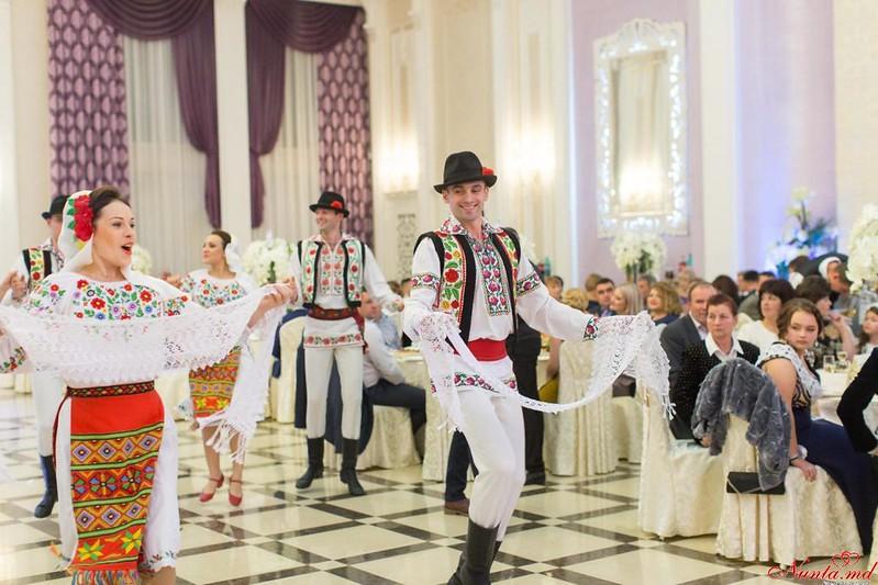 """""""Jocul Dacilor"""" - dansatori la nunţi > Foto din galeria `Jocul Dacilor - dansatori la nunti`"""