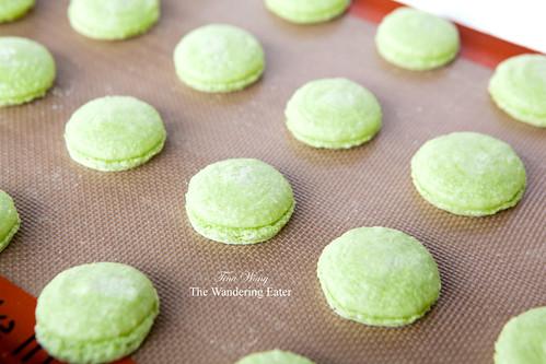 Baked pistachio macaron shells