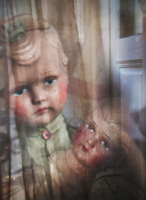 Photo layer - antique dolls