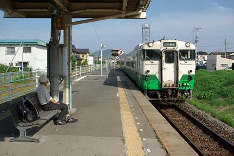 気仙沼線はバス専用道路化してBRT導入か