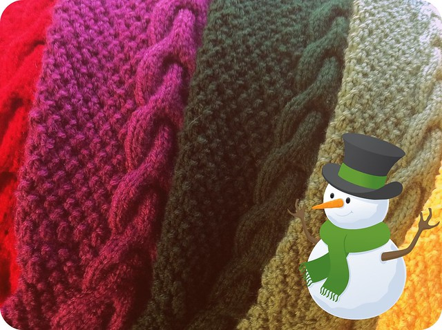 Sneak peek: knitted Christmas gifts