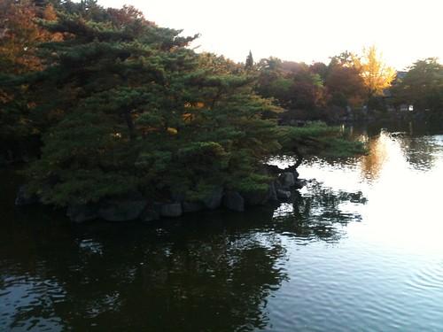 현충사 호수
