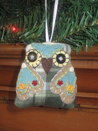 Scrappy owl ornament