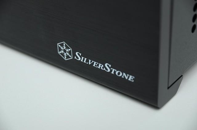 20111208 銀欣 SilverStone SUGO SG08 miniITX 600W 機殼