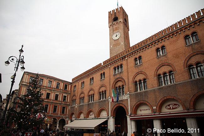 Piazza dei Signori © Paco Bellido, 2011
