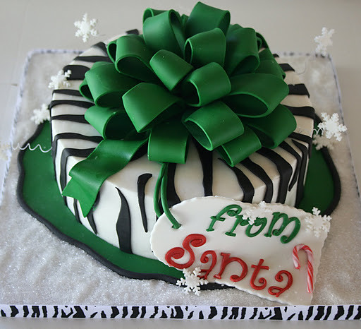 Green Zebra Cake http://www.flickr.com/photos/creativeandtasty/6581874125/