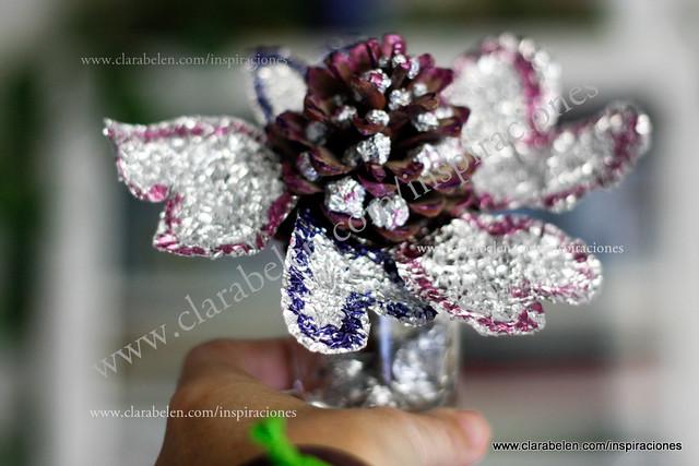 Piña adornada con papel albal
