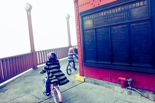 A Ride Across The Golden Gate Bridge Photos
