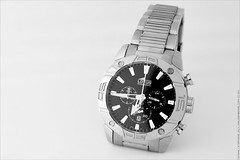hand(0.0), mineral(0.0), strap(0.0), watch(1.0), white(1.0), illustration(1.0), black-and-white(1.0), brand(1.0),