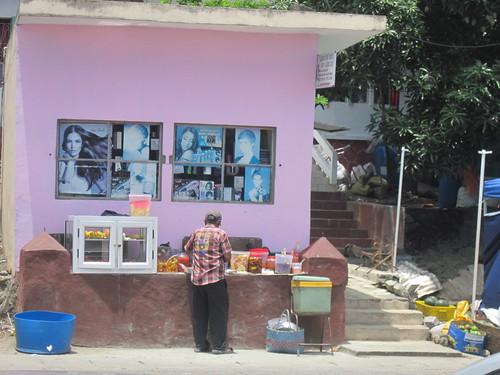Street Vendors in Chemin Grenier
