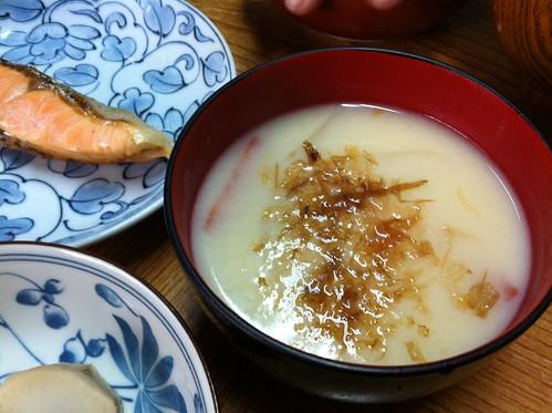 白味噌丸餅の雑煮
