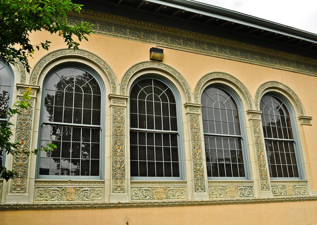 Jacobean architecture features