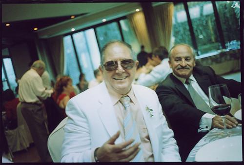 Happy wedding guest - Edward Olive fotógrafo de boda de Madrid  by Edward Olive Fotografo de boda Madrid Barcelona