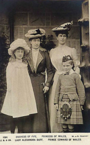 The Duchess of Fife and  the Princess of Wales with the children Alexandra and Edward