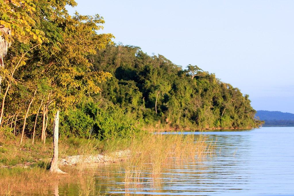 Peten Itsa lake