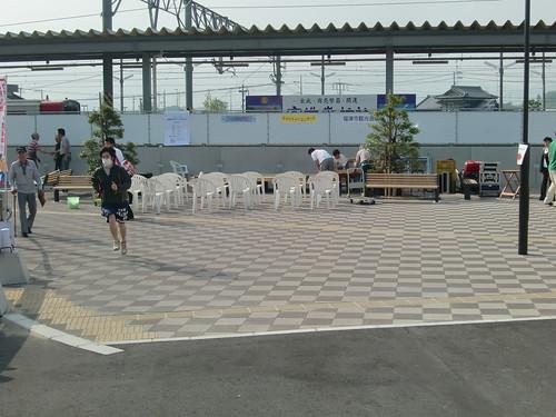 駅前特設ステージ