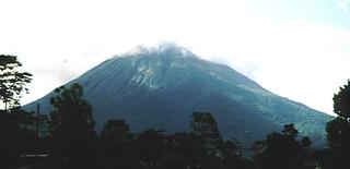 Arenal vulcano in Fortuna (Costa Rica 2000)