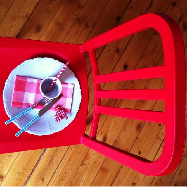 off ne giysem sergi, off ne giysem instagram projesi, coca-cola, 111 navy chair, navy chair, emeco, tasarım sandalye, yeni evliler